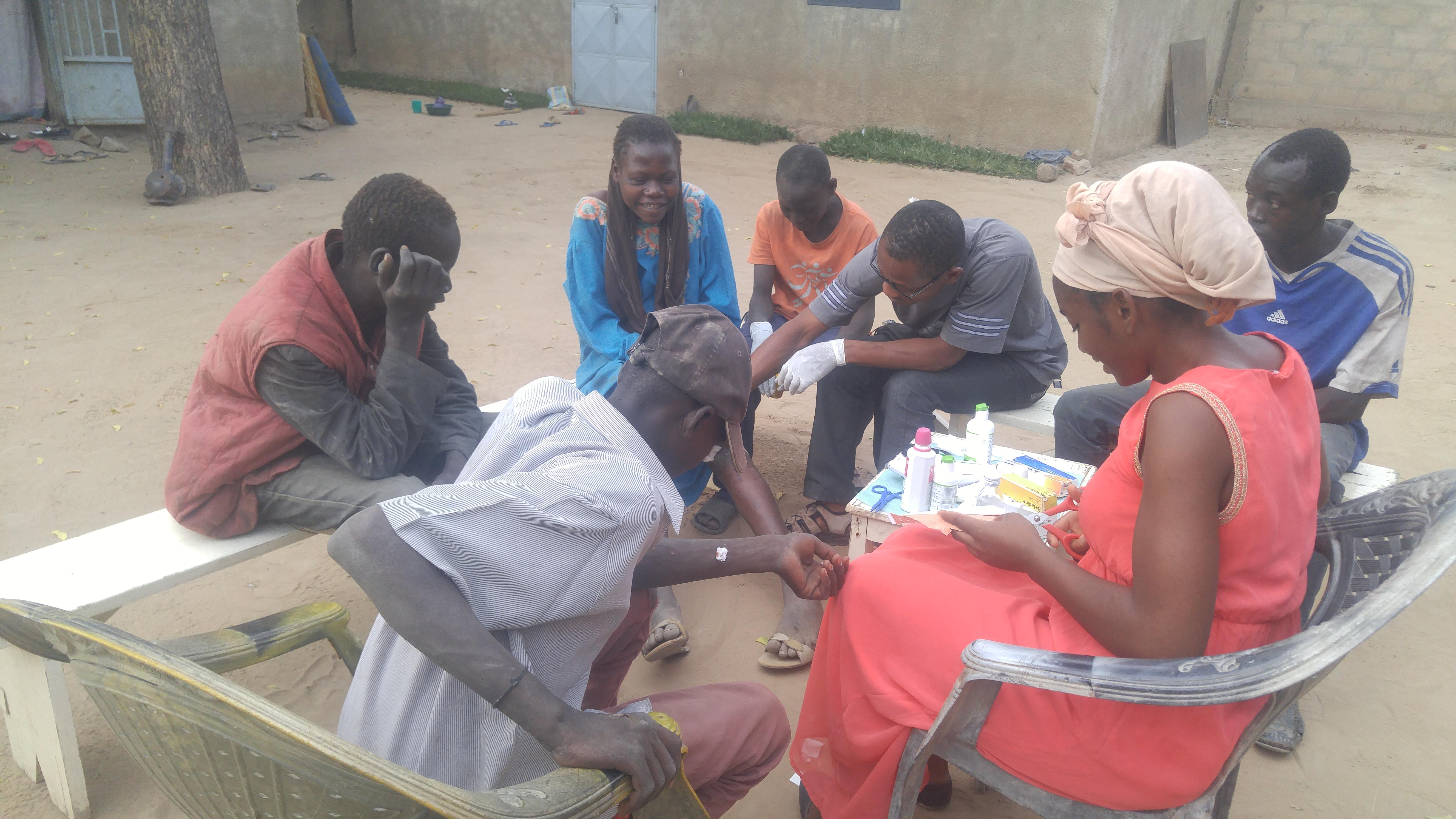 Soins médicaux aux enfants de la rue