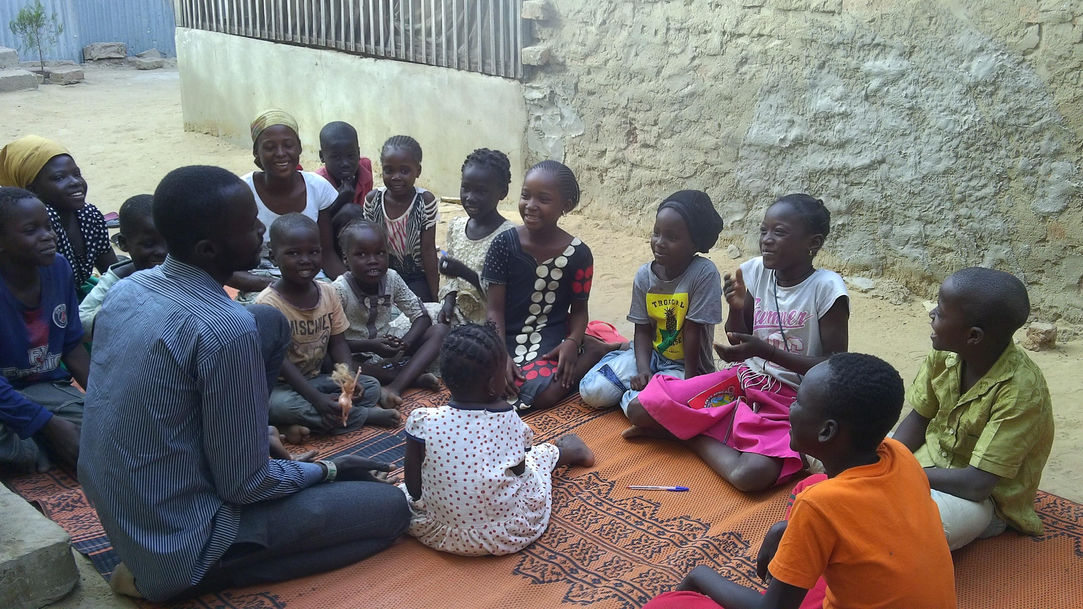 Club des enfants chez le frère Jean Marc