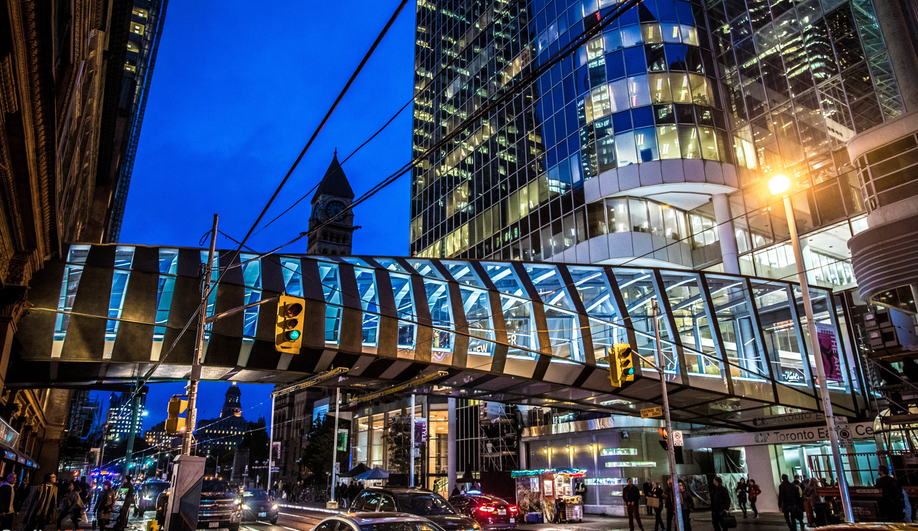 Eaton Centre Pedestrian Bridge
