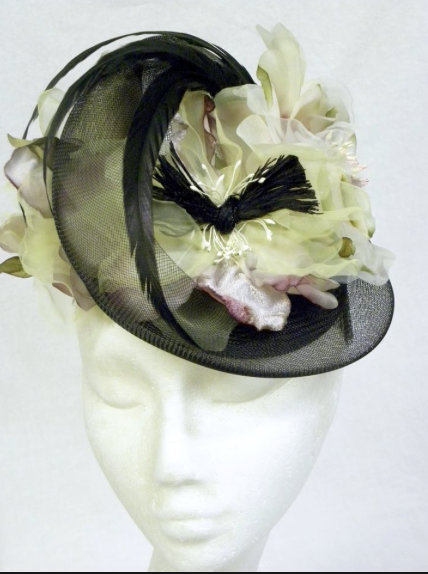 Flowered fascinator