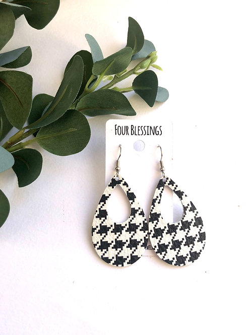 Black and White Houndstooth Cut Out Teardrop