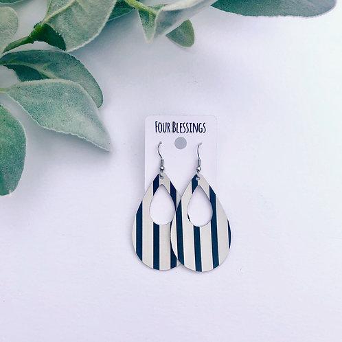 Vertical Black & White Wide Striped