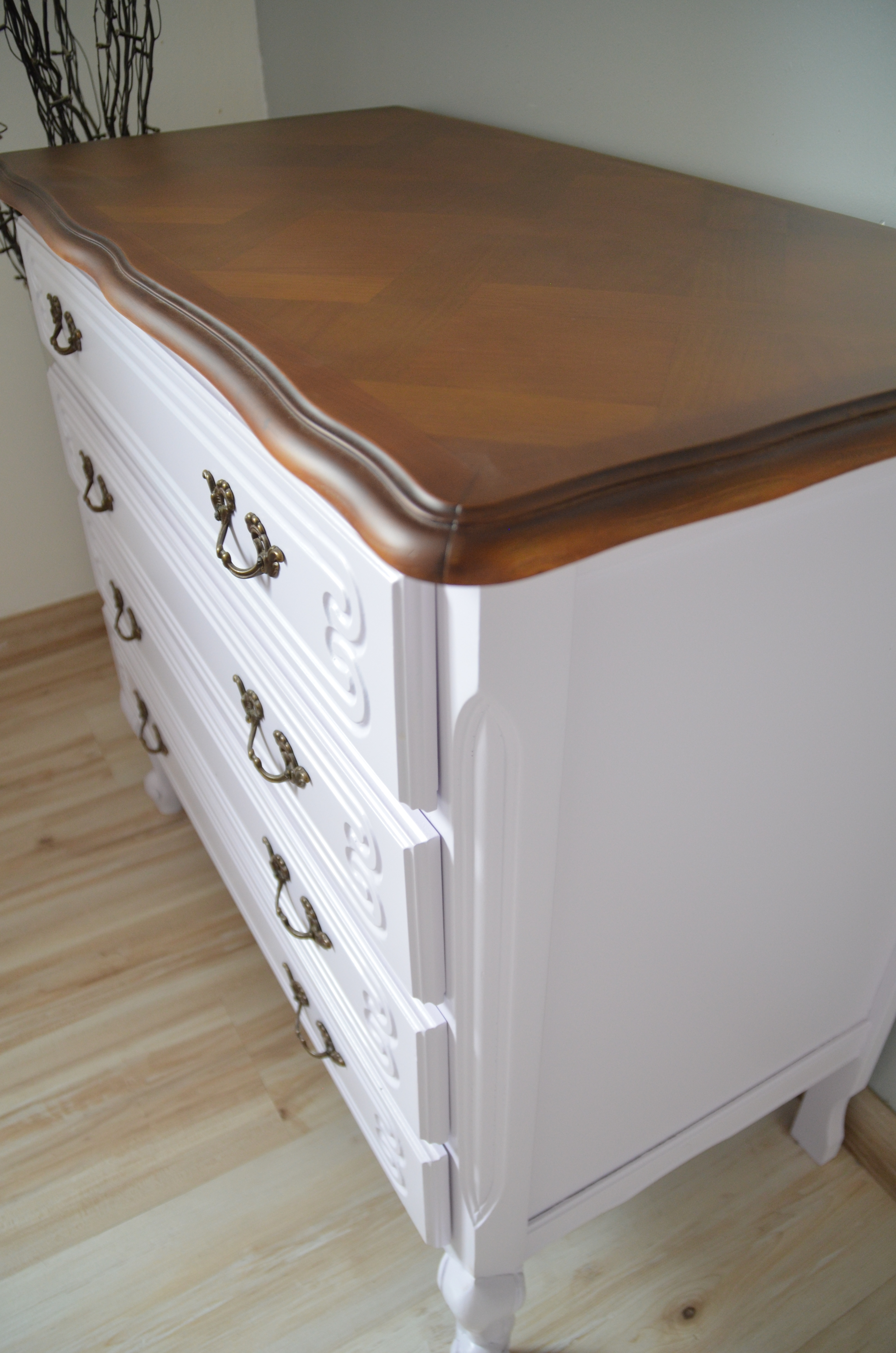 COMMODE RELOOKEE