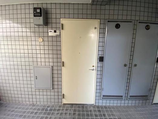 ふぁみ~ゆ六本木_賃貸_共用廊下01
