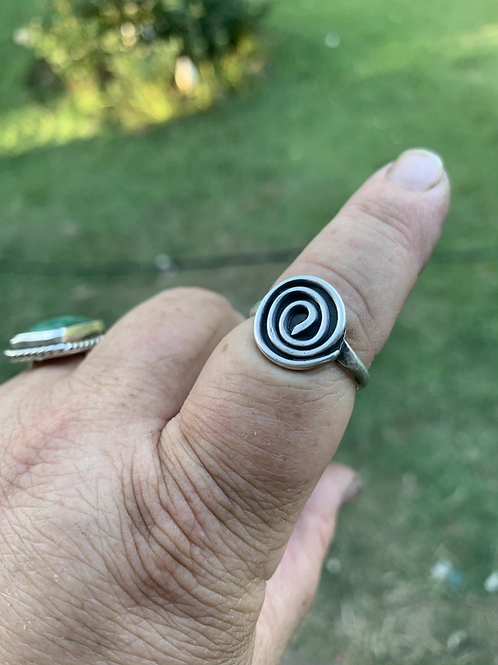 Swirl silver ring size 11