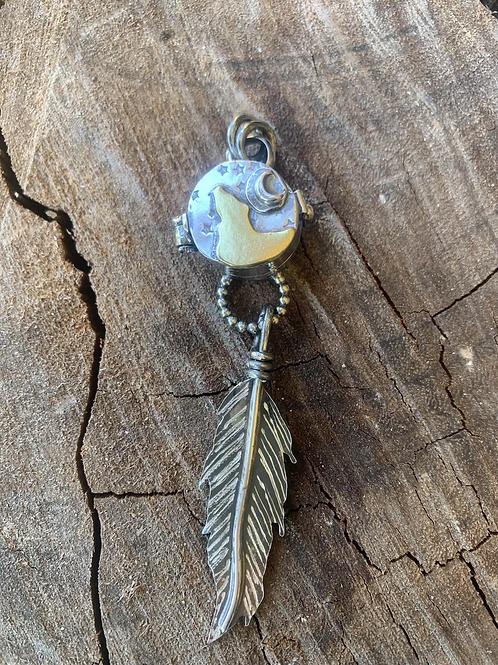 Treasure keeper locket 🐺 .