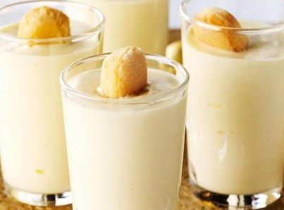 Mascarpone and Advocaat mousse