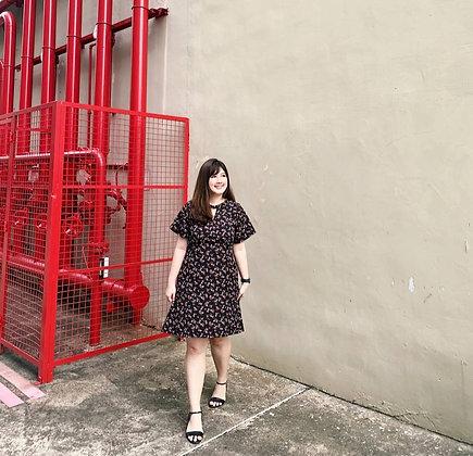 Tabbie Keyhole Dress in Black