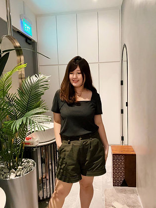 Lydia Cuffed Shorts in Olive Green