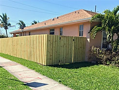 Protek-Fence%20Wood%20Board-on-board%20fence%20Hollywood%20Florida_edited.jpg