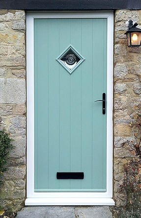 Chartwell Green Flint Solidor with bullseye Window Medic
