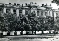 Будівля коледжу