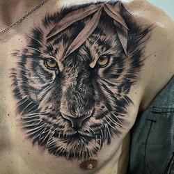 Tatouage tête de tigre réaliste