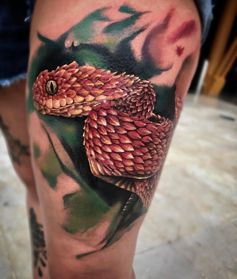 tatouage serpent réaliste