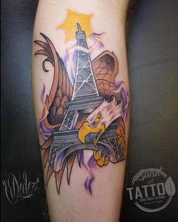 Tatouage New school Tour Eiffel et aigle
