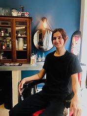 Manon, coiffeuse barbière