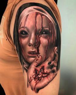 Tatouage nonne en sang