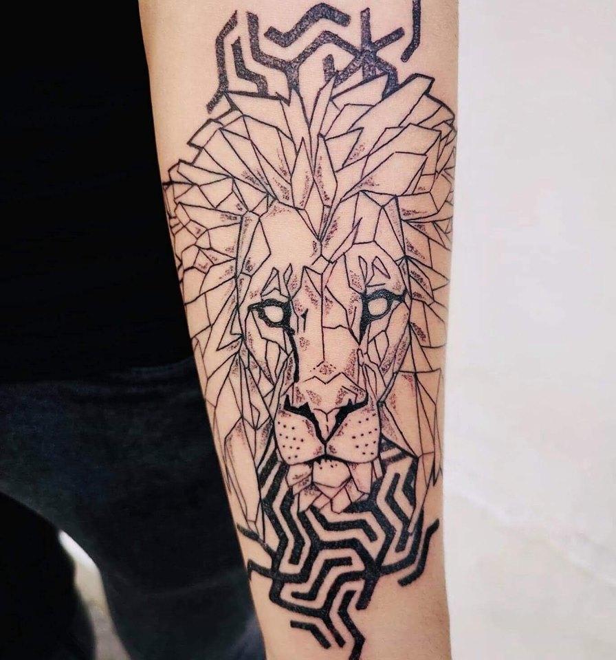 Tatouage_lion_géométrique_Carso