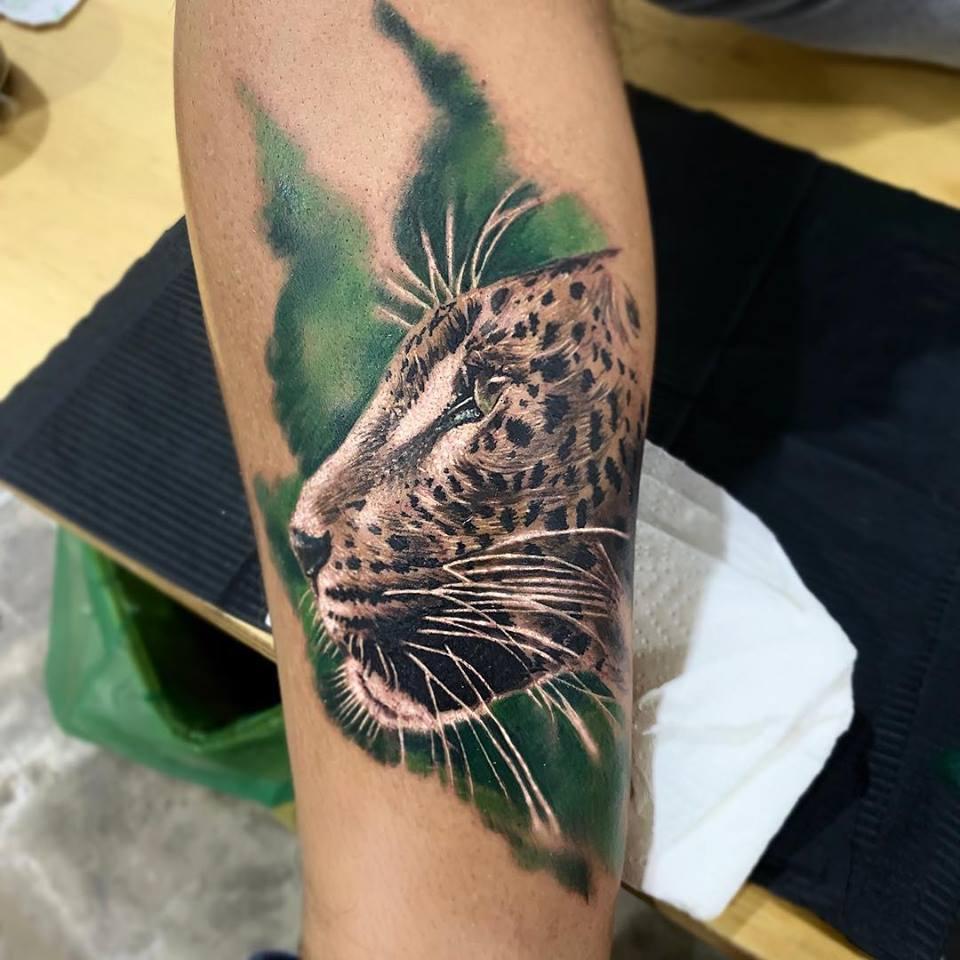 Tatouage panthère réaliste