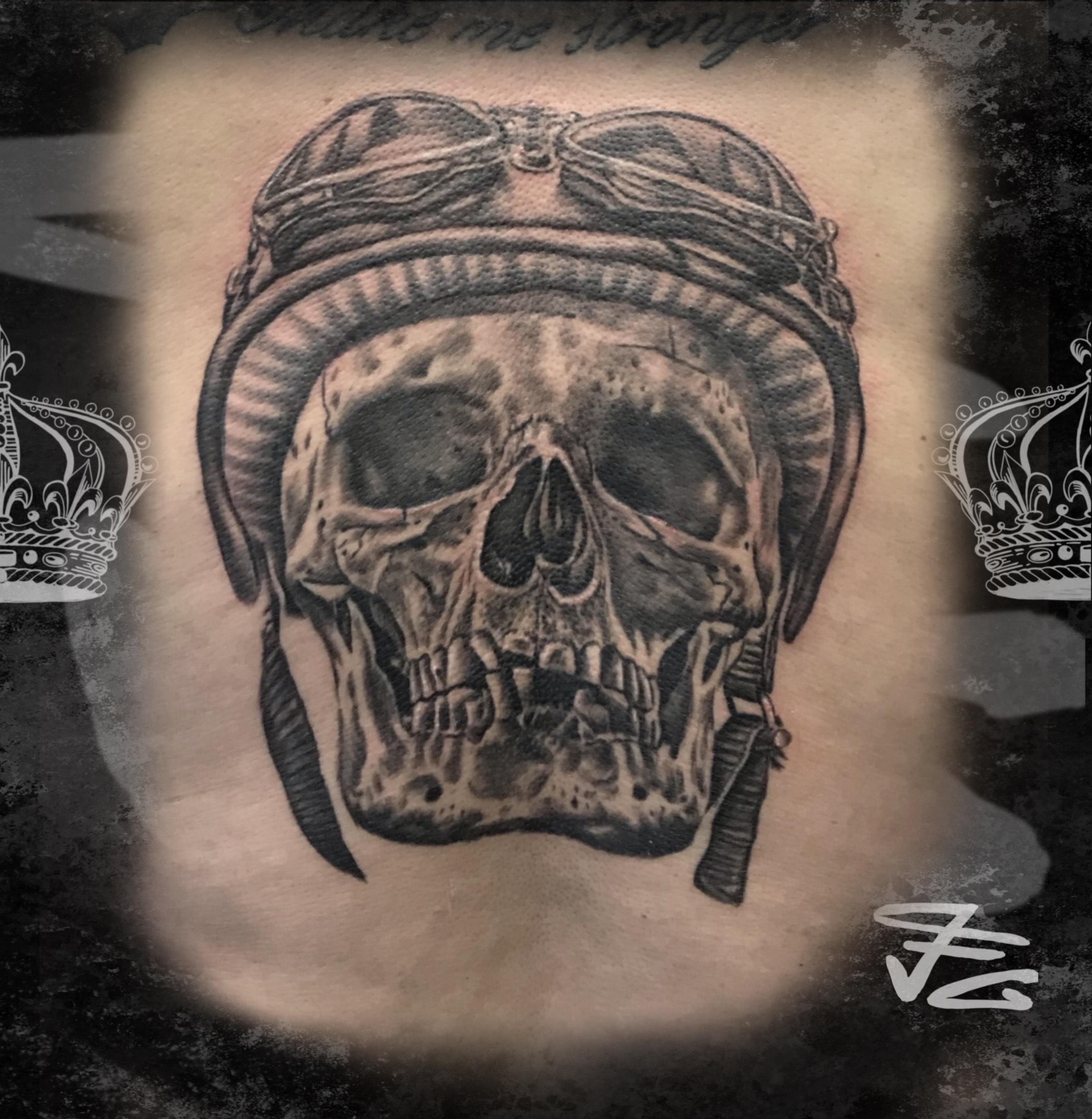 Tatouage skull réaliste