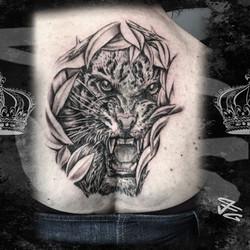 Tatouage_réaliste_tête_de_tigre_n&b_Fa