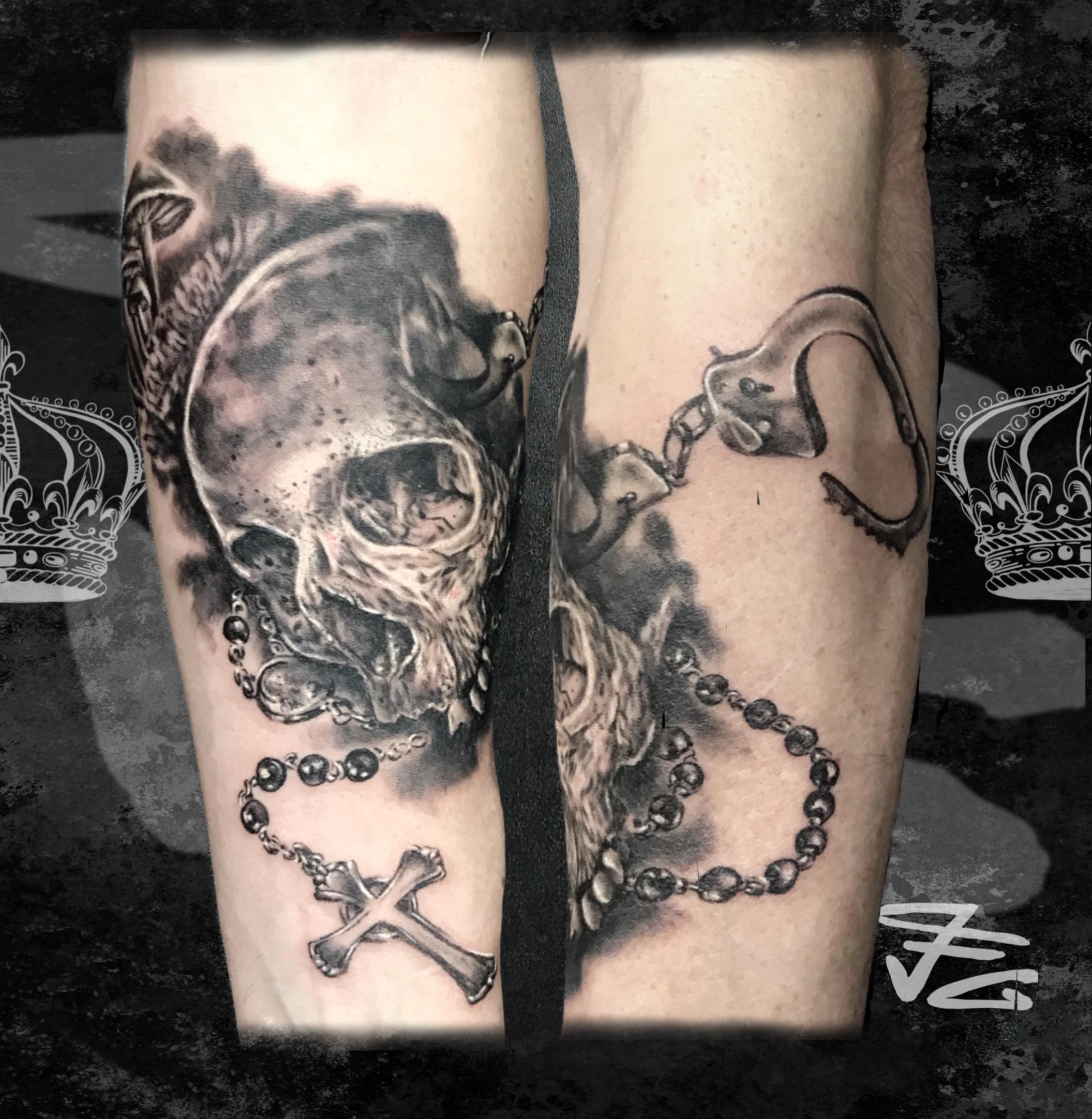 Tatouage crâne et chapelet