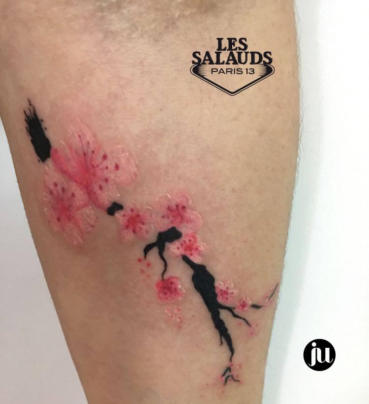 tatouage aquarelle fleurs de cerisier