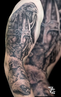 Tatouage viking corbeau et loup