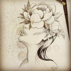 Tattoo flash femme et fleurs