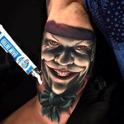 Tatouage du Joker (Batman) réaliste