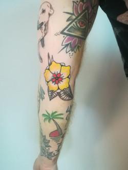 Tatouage fleur old school
