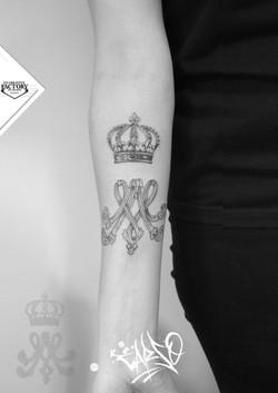 Tatouage idéogramme Marie-Antoinette