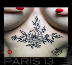 Tatouage floral underboobs Ju