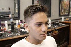 Coupe cheveux homme dégradé et mèche