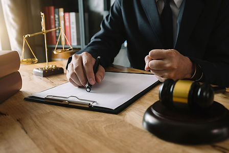 Why-All-Types-of-Lawyers-Even-Litigators