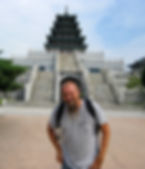 Los Angeles Psychic Medium Brett Carstens in a Seoul Korea temple working some bad photography and acting like a dork