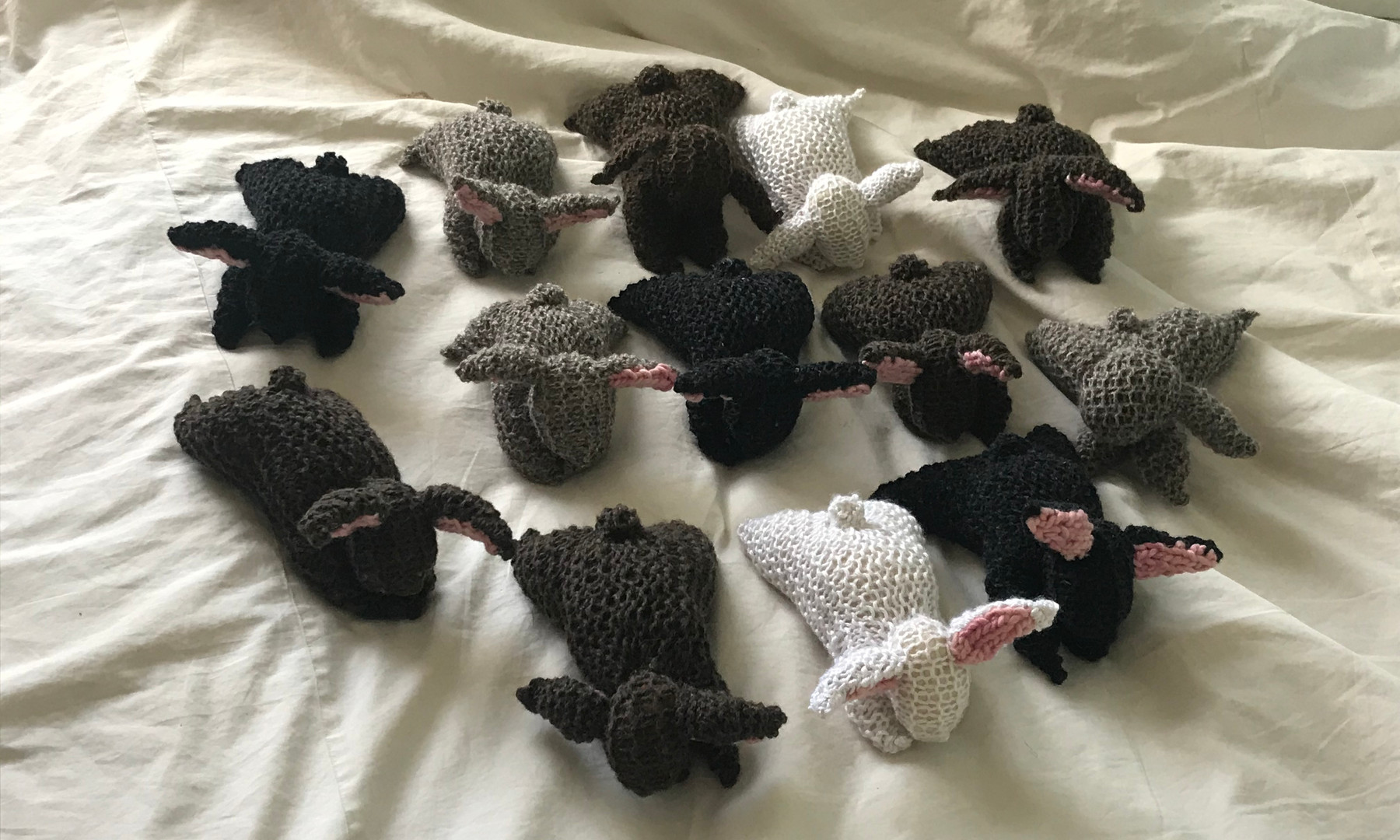 Knit rabbits for preschoolers