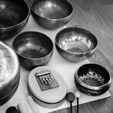 Tongue drum, mbira, metal bowls