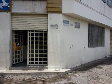 O absurdo e a irresponsabilidade: CDD Recife tem mais de 120 carteiros aglomerados em um só prédio