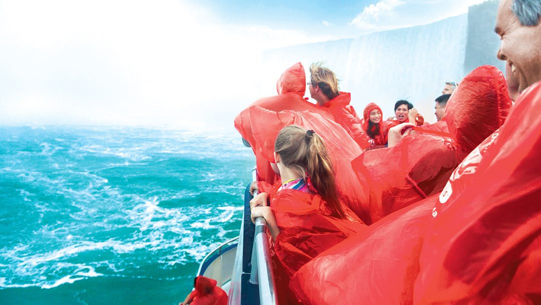 Niagara Falls Day Tour with Attraction