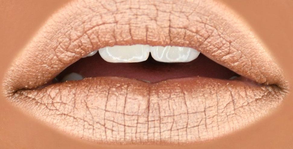 DIAMOND SNOW Metallic Lip Gloss