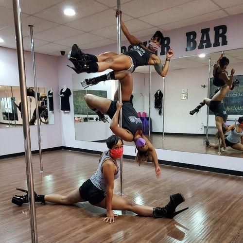 Arlington_pole_dance_fitness_lessons_dfw