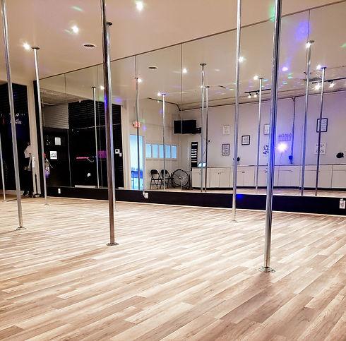 Dallas_Deep Ellum_Pole_Dancing_DFW