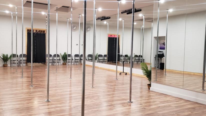 Pole Dancing Classes in Dallas Texas_ Downtown_Bachelorette_edited.jpg