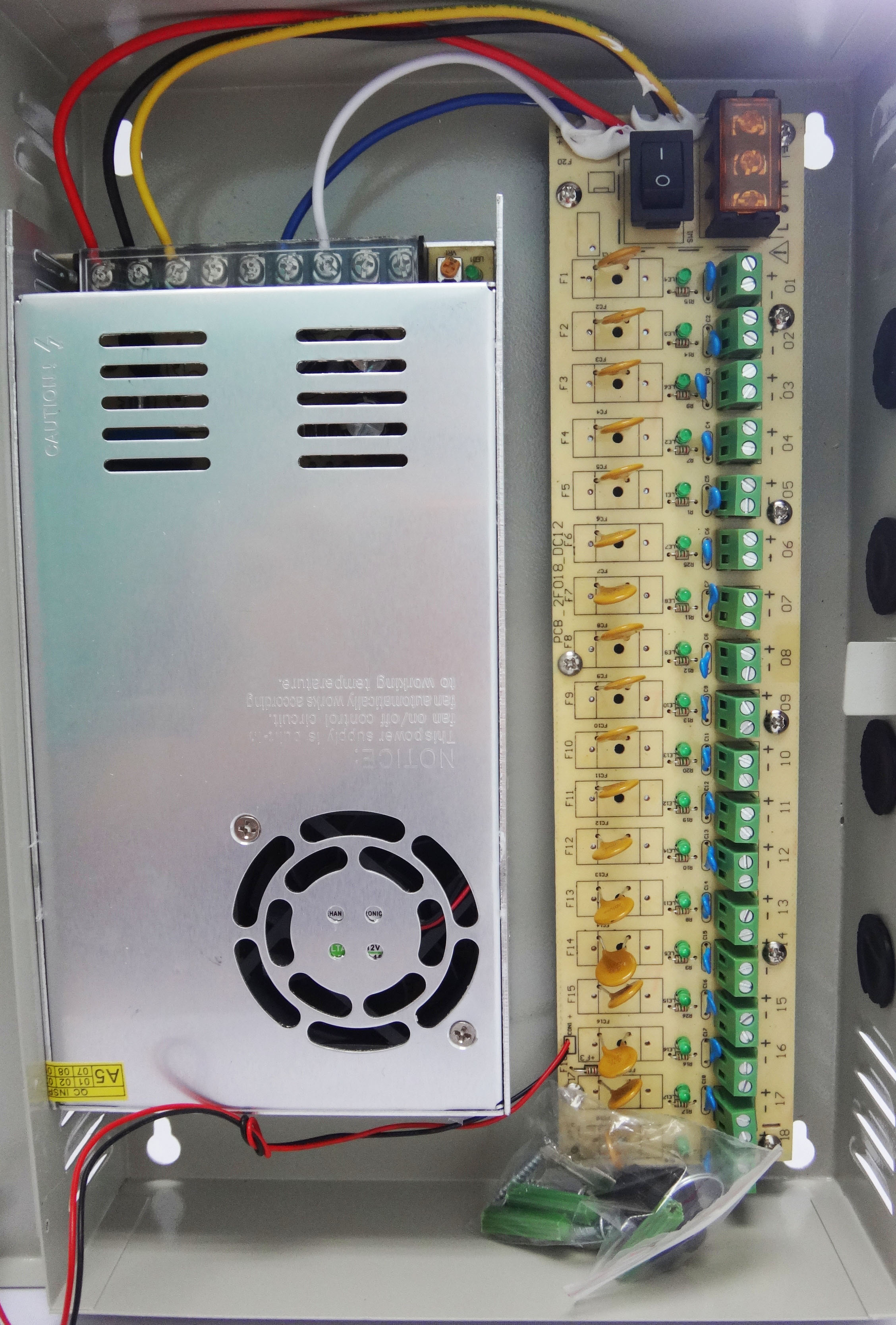 FUENTE 30 AMP 2.jpg