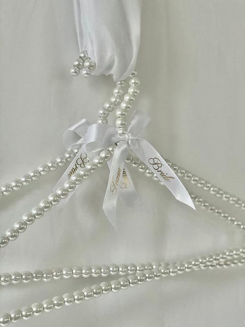 Pearl Team Bride Hanger