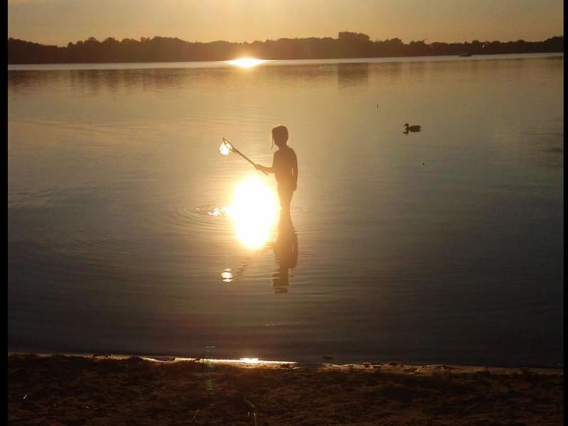 Fische fangen am Strand