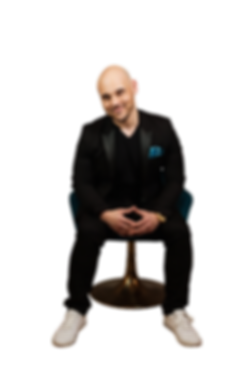 RichSoloChair02 Transparency smirk.png