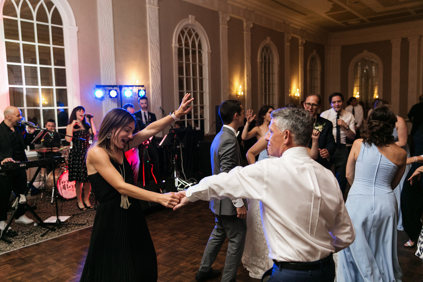 Dana+David-HappyCrowd.jpg