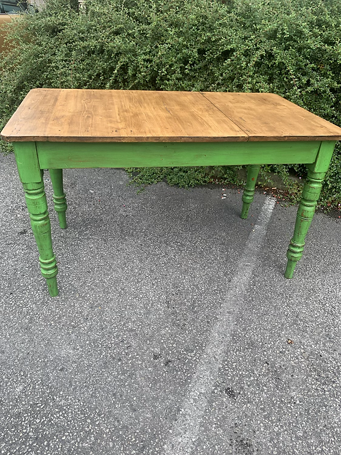 Upcycled table 💚